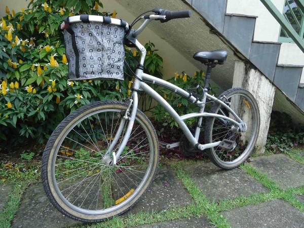 Cesta para bicicleta com engate r pido - Cestas para bicicletas ...